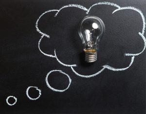 Savoir faire : conception. Bulle de réflexion avec ampoule - fabricant d'enseignes et de signalétiques