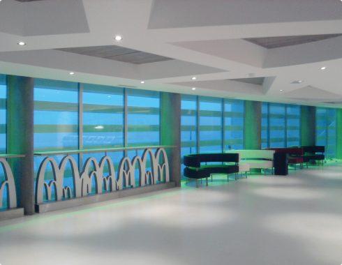 Agencement intérieur de Mcdonald's Monaco - Fabricant d'enseignes et de signalétiques